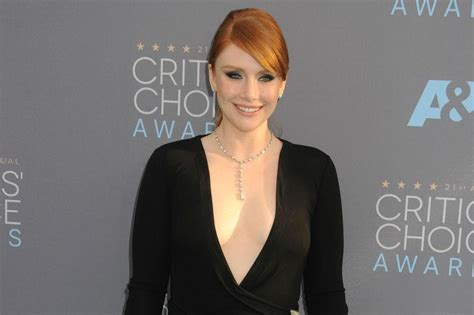 jurassic world 2 claire actress bryce dallas howard hints at a different claire in