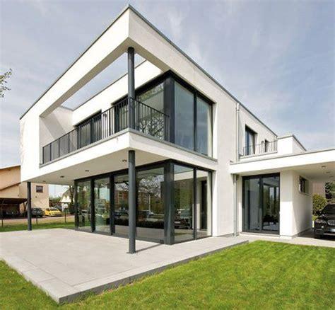 Moderne Häuser Balkon by Interessante L 246 Sung Der Balkon Ist Zugleich Dach Der