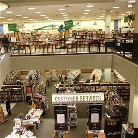 barnes and noble orlando barnes noble booksellers 33 photos 43 reviews
