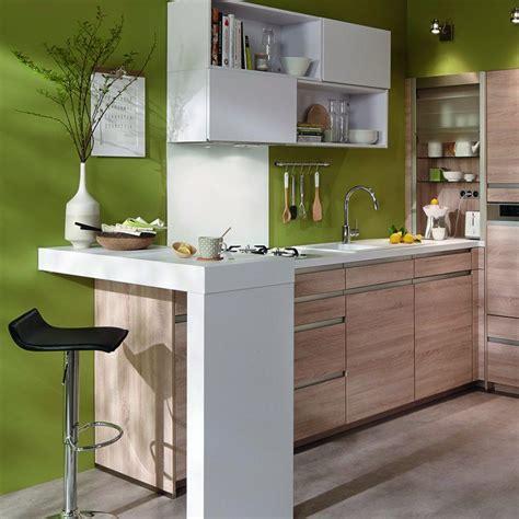 creer un bar dans une cuisine un coin repas aménagé en angle pour une cuisine