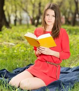 Schönes 10 Jähriges Mädchen : sch nes junges m dchen liest buch im park stockfoto bild 38468178 ~ Yasmunasinghe.com Haus und Dekorationen