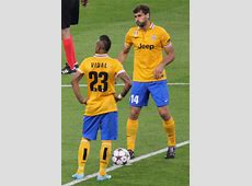 FileArturo Vidal and Fernando Llorente, Real Madrid vs
