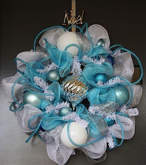 corona navidad plata azul