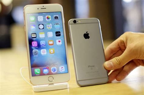 how much money is a iphone 6 iphone 7 launch sparks record high apple handset trade ins