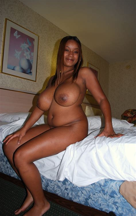 6  In Gallery Beautiful Busty Black Milf Picture 2 Uploaded By Earlyamerican On