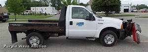 2006 Ford F250 Super Duty Flatbed Pickup Truck