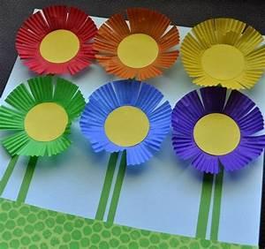 Papierblumen Basteln Anleitung : papierblumen basteln kindern muffin papierf rmchen material schneiden kleben arbeit pinterest ~ Orissabook.com Haus und Dekorationen
