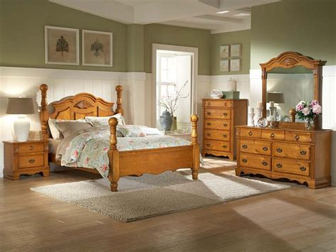 Bedroom Decorating Ideas Pine Furniture by 17 Best Ideas About Pine Bedroom On Pine Wood