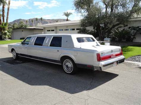 Classic Limousine by Lincoln Town Car Classic Limousine Pictures
