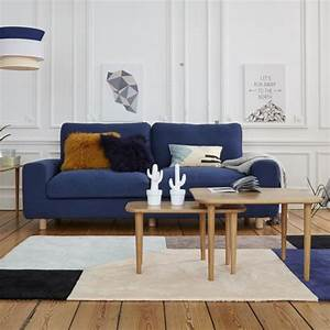 une table basse gigogne pour rythmer le salon marie With tapis de yoga avec canapé bleu 2 places