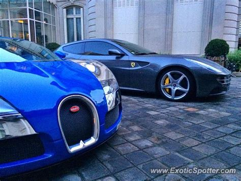 Bugatti Veyron spotted in Paris, France on 01/30/2014