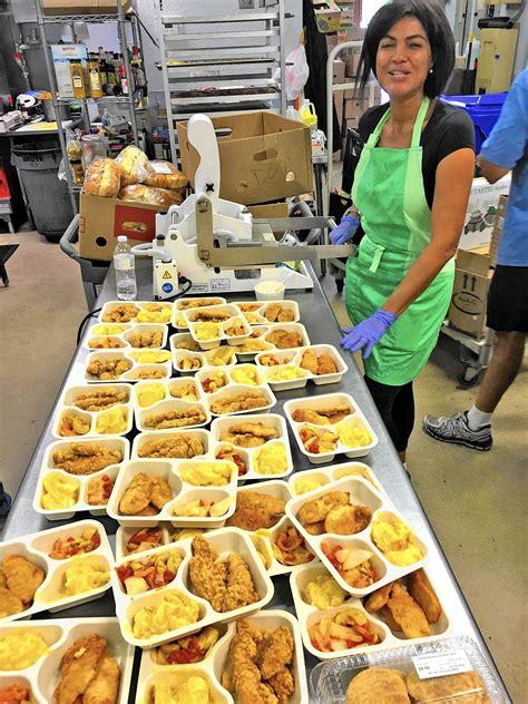 soup kitchen  volunteers  meals  wheels sun