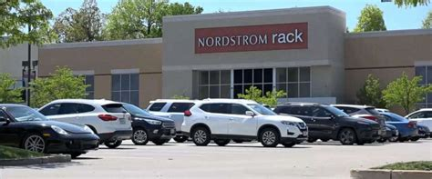nordstrom rack brentwood nordstrom rack president apologizes to 3 black youths