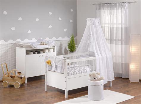 Babyzimmer Wandgestaltung Mädchen babyzimmer grau babyzimmer in 2019 babyzimmer
