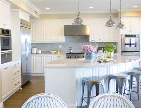 curved kitchen island interior design ideas home bunch interior design ideas 3044