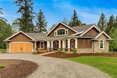 dramatic craftsman house plan jd architectural