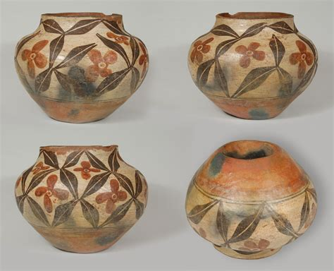Early 20th Century Zia Pueblo Southwest Indian Pottery Pots Historic Pottery