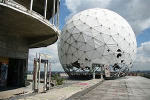 A sphere on the roof at Teufelsberg - andBerlin