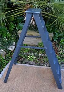 Escabeau En Bois Decoratif : vieil escabeau ancien solide et fonctionnel en bois peint en noir ~ Dode.kayakingforconservation.com Idées de Décoration