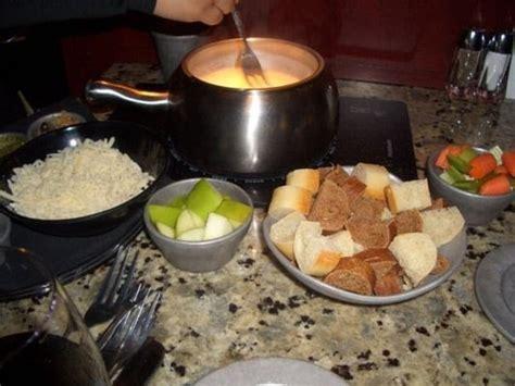 fondue at home without fondue pot the melting pot restaurant copycat recipes quattro formaggio fondue