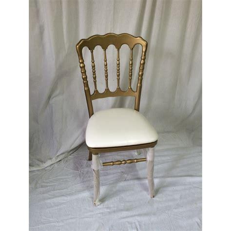 chaise dorée location chaise napoleon 3 dorée et blanche
