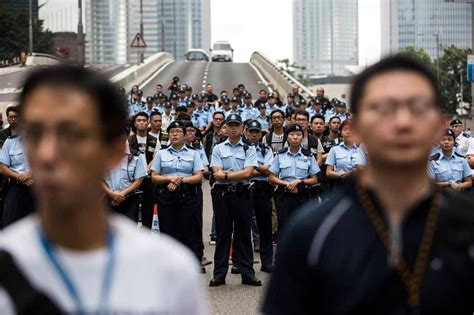 hong kong police deployed female cops  extradition
