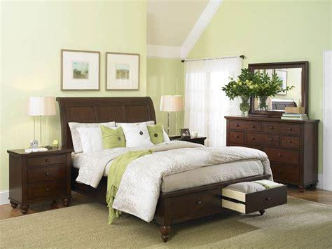 interior design of light green bedroom decoration