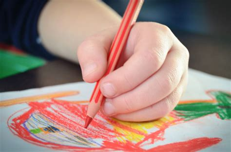 picture pencil color kid drawing paper creativity