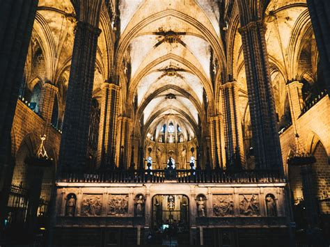 Travel || Barcelona Cathedral - Rhyme & Ribbons