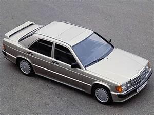 Mercedes 190 E : mercedes benz 190 e 2 3 16v specs photos 1984 1985 1986 1987 1988 autoevolution ~ Medecine-chirurgie-esthetiques.com Avis de Voitures
