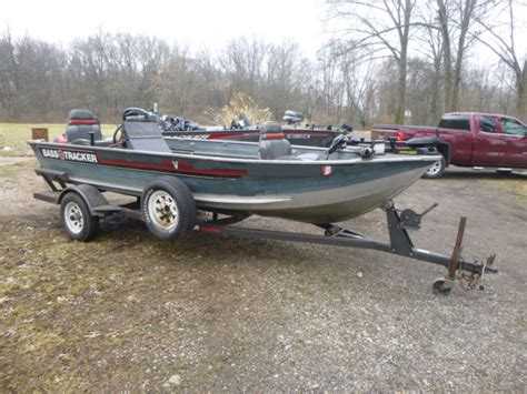 Bass Tracker Boat Specials by 1988 16 Ft Bass Tracker V Guide Special Bass Tracker