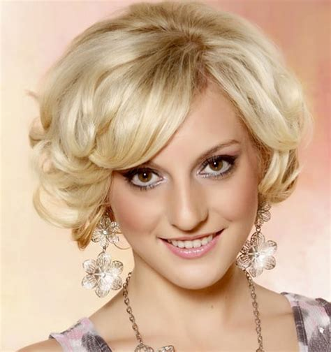 23 flirty formal hairstyles for short hair that look flawless
