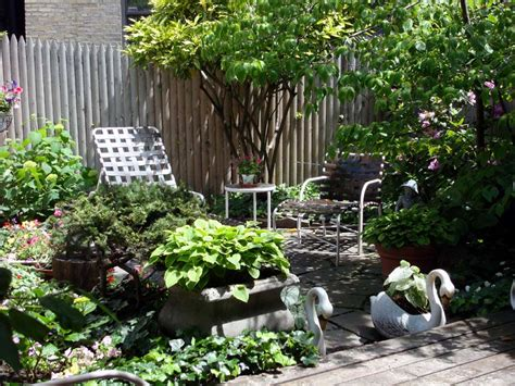 Small Space Front Yard Landscaping Ideas