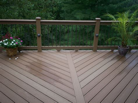 St. Louis Deck Designs With Floor Board Patterns