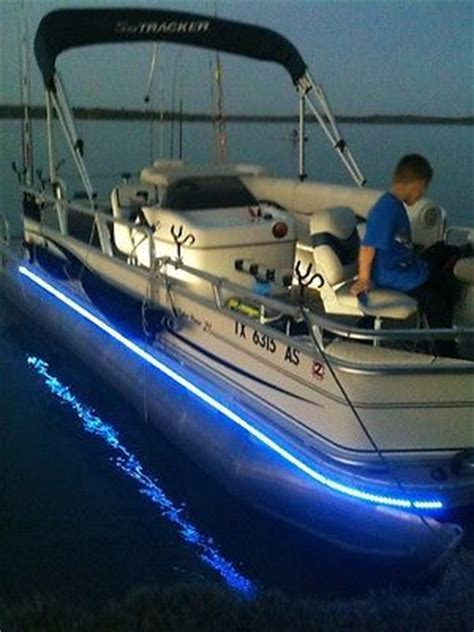 Fishing Lights For Pontoon Boats by 25 Best Ideas About Pontoons On Boating