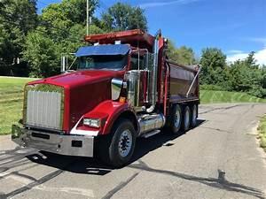 2014 Kenworth T800 Tri-axle Dump Truck