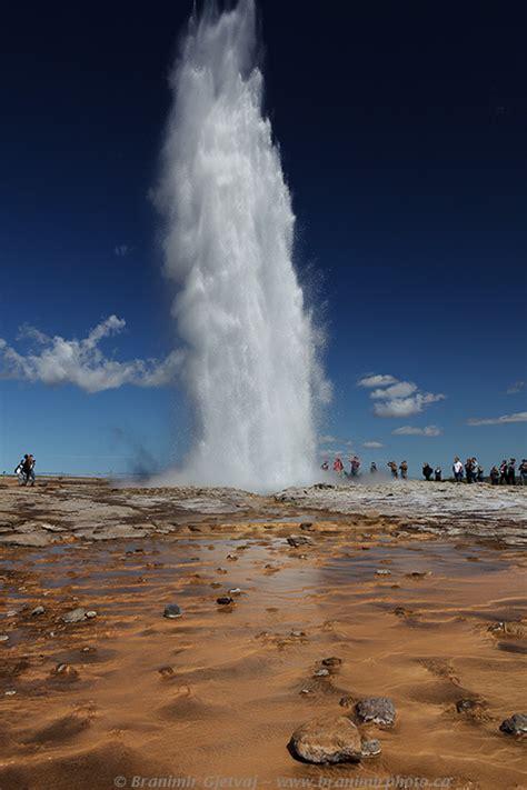 iceland photo  images  strokkur geyser