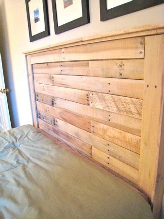Headboard Pallets by White Reclaimed Wood Headboard From Pallets Diy