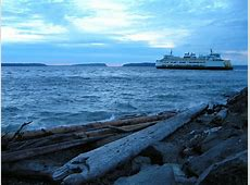 What type of town is Mukilteo? Seattle, Everett