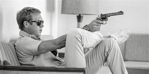 steve mcqueen sofa and gun poster trendhimuk the key piece of every men 39 s wardrobe white