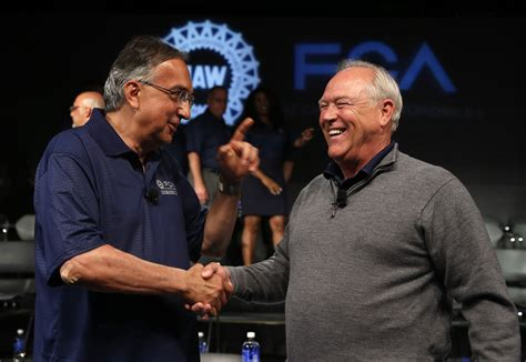 Uaw Chrysler Contract by Uaw Approves New Contract With Fiat Chrysler Chicago Tribune