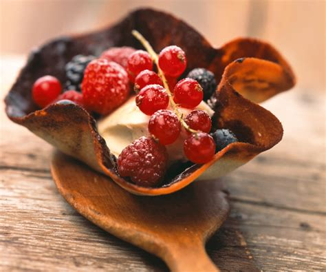 astuce du chef cyril lignac tulipes chocolat aux fruits rouges
