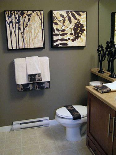 easy bathroom decorating ideas  grasscloth wallpaper