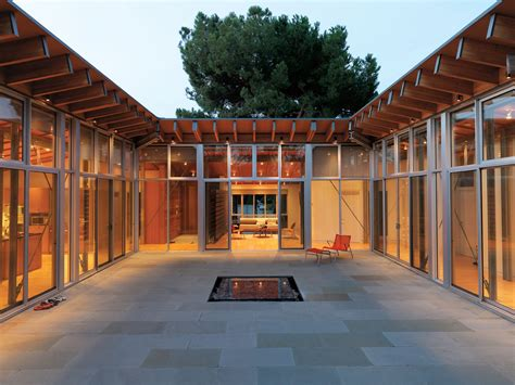 modern courtyards  zachary edelson  family matters   courtyard house