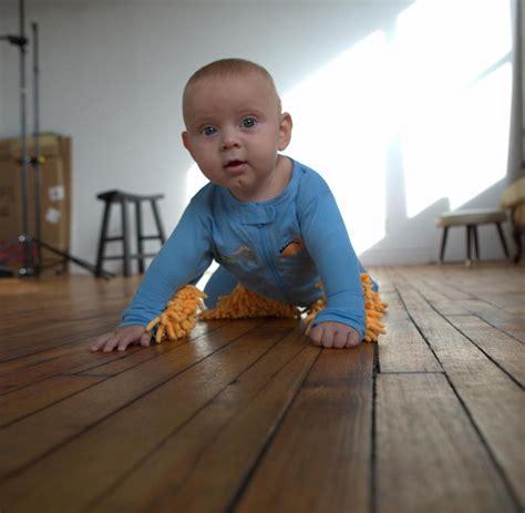 den boden wischen putz strler lassen sie ihr baby doch den boden wischen welt