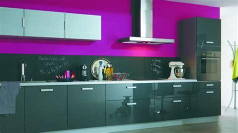 couleur levis pour cuisine quand la cuisine se pare de couleurs féminines