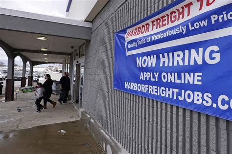 VIRUS TODAY: Unemployment claims in US rise to 965,000