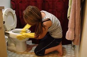 File:Woman cleaning toilets.jpg - Wikimedia Commons