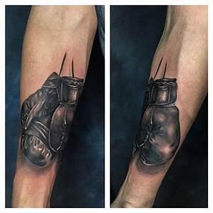 Boxing Gloves Tattoo | Best tattoo ideas & designs
