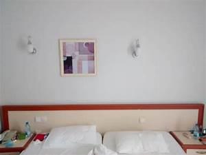 Fernseher über Bett : keine steckdosen und lichtschalter ber dem bett hotel incekum su avsallar holidaycheck ~ Sanjose-hotels-ca.com Haus und Dekorationen